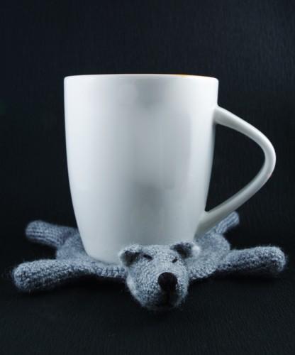 amigurumi wolf wolfdog coaster mug vilkas vilkė vilkšunis padėklas padėkliukas puodelis