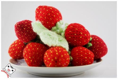 amigurumi, strawberry, braškė, charm, pakabukas